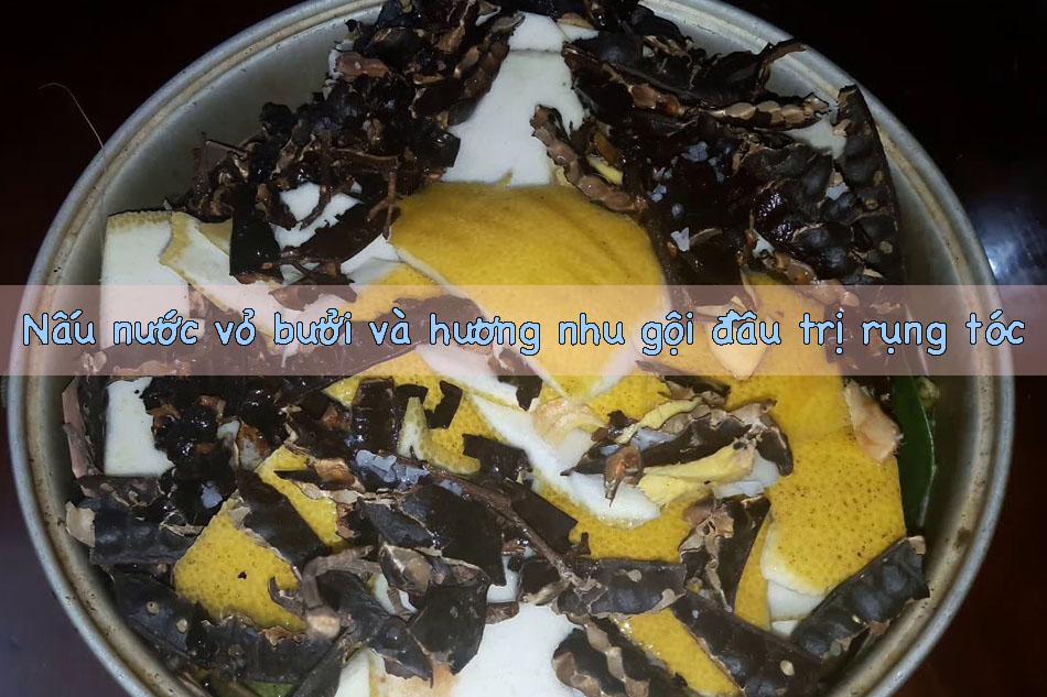 Nấu nước vỏ bưởi và hương nhu gội đầu